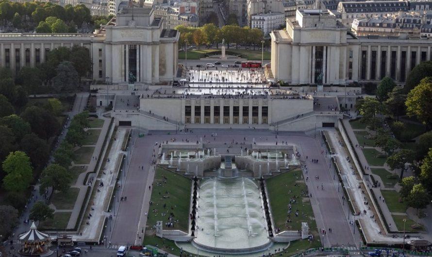 Осмотр собора Нотр Дамм в Париже с последующей самостоятельной поездкой Дефанс и вечерним подъемом на Эйфелеву башню