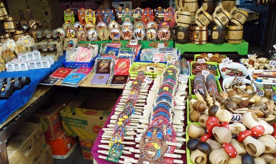 Сувениры на Гавельском рынке и лебеди на Наплавке